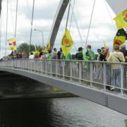 Volle Brücke